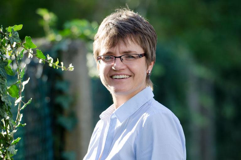 Christina Sedlak, Notary services